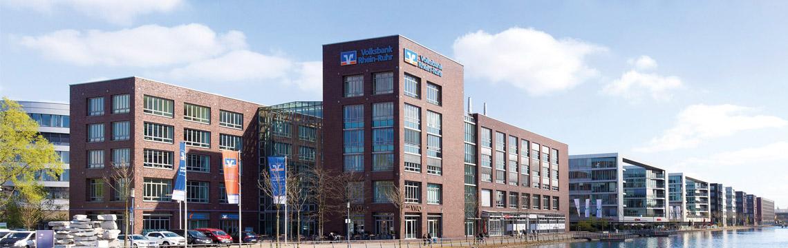 Die neue Zentrale der Volksbank Rhein-Ruhr am Innenhafen.
